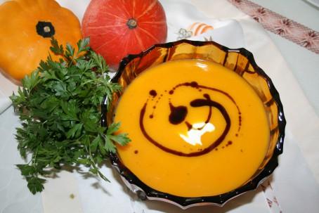 Kürbiscremesuppe klassisch -  (Foto: Friederike Schmitl - Nicht zur freien Verwendung)