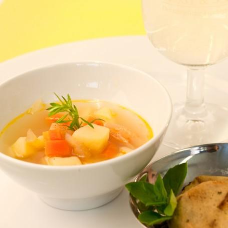 Mostsuppe mit geröstetem Schwarzbrotknödel -  (Foto: Ulrike Matscheko-Altmüller - Nicht zur freien Verwendung)