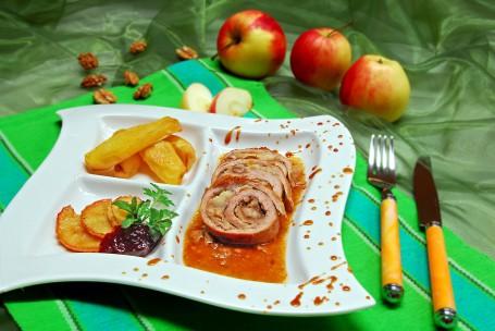 Putenroulade mit Apfelfüllung -  (Foto: LK STMK/Wolfgang Lackner - Nicht zur freien Verwendung)