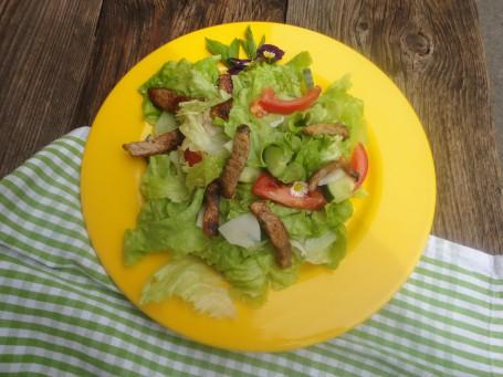Bunter Salat mit Hühnerbruststreifen -  (Foto: Manuela Pichler - Nicht zur freien Verwendung)
