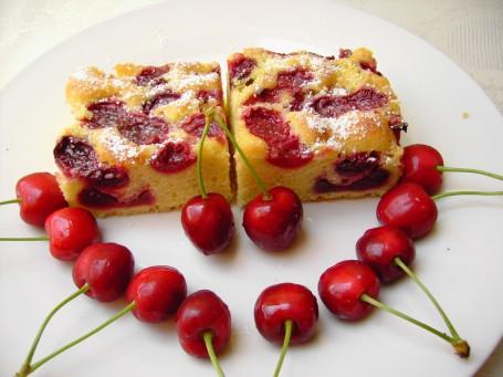 Kirschenkuchen -  (Foto: Maria Thek - Nicht zur freien Verwendung)