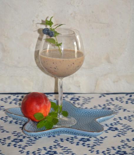 Heidelbeer-Nektarinen Smoothie -  (Foto: Lydia Teufl - Nicht zur freien Verwendung)