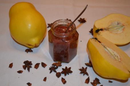 Quittenrotweinmarmelade mit Sternanis -  (Foto: Eva Maria Lipp - Nicht zur freien Verwendung)