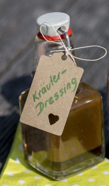 Kräuterdressing -  (Foto: Romana Schneider - Nicht zur freien Verwendung)